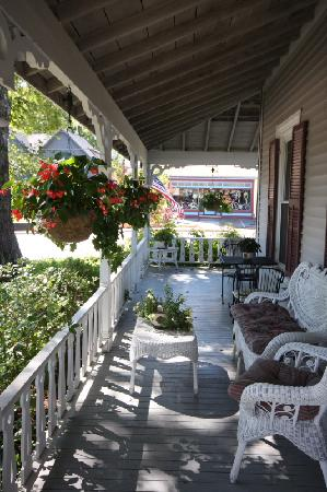 The Inn at Southwest: Wraparound Porch