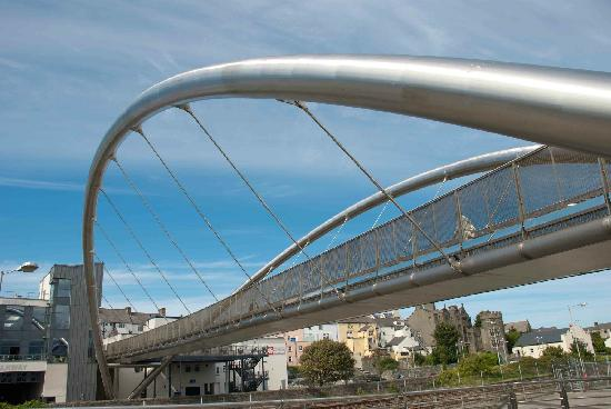 Celtic Gateway Bridge: Modern and funky