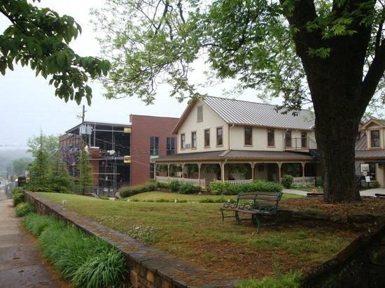 The Smith House : Construction