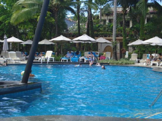 ฮอลิเดย์ อินน์ รีสอร์ท: Main Pool