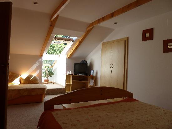 Casa Cristina: Our top floor room