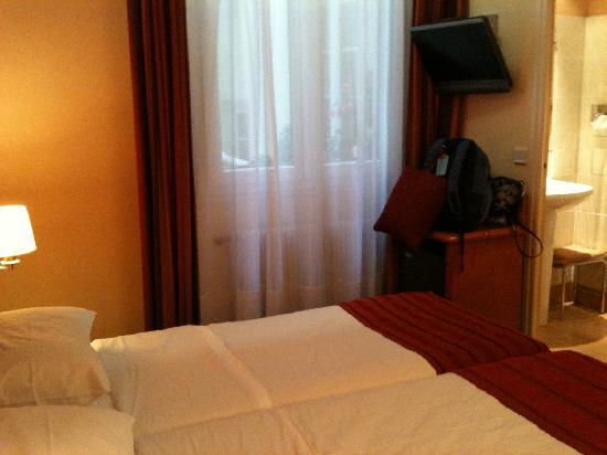 Hotel Diana: Room #11
