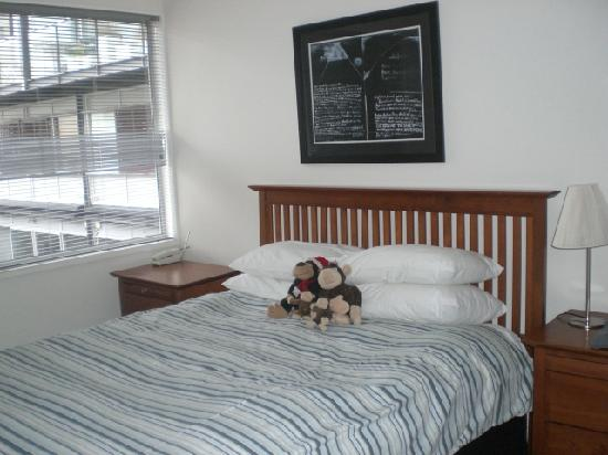 Viaduct Harbour Serviced Apartments: Comfy bed