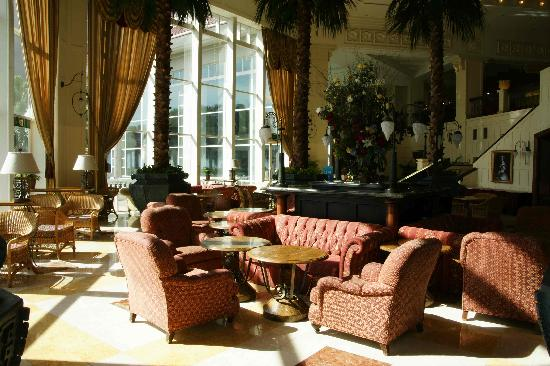 Hualien FarGlory Hotel: The Farglory's retro lounge