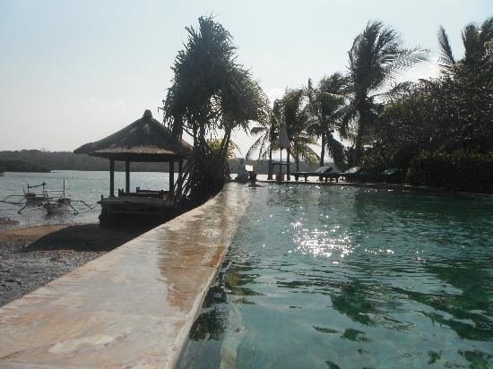 Mimpi Resort Menjangan: One of the pools