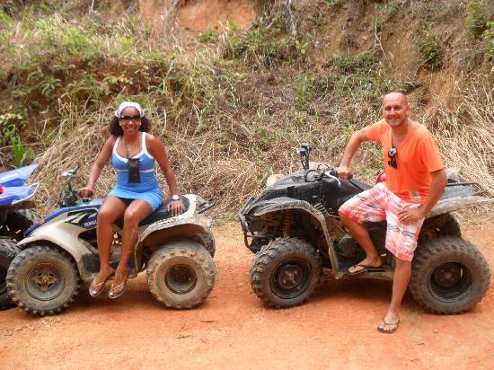 Chaba Cabana Beach Resort: (Quad) Safari...es Increible manejar en la selva!!!