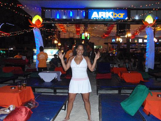 Chaba Cabana Beach Resort: ARK Bar... muy famoso por sus fiestas en la playa los miercoles y viernes con  Live Dj