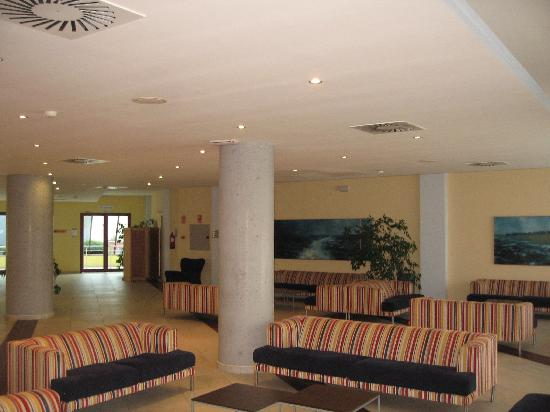 Ohtels Campo de Gibraltar: Spacious 1st floor lounge area