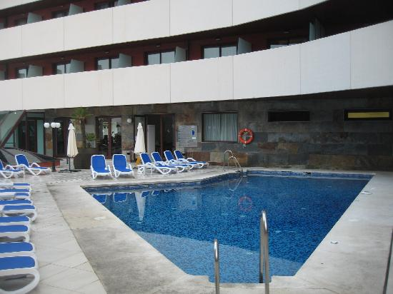 La Linea de la Concepcion, Spain: Pool area