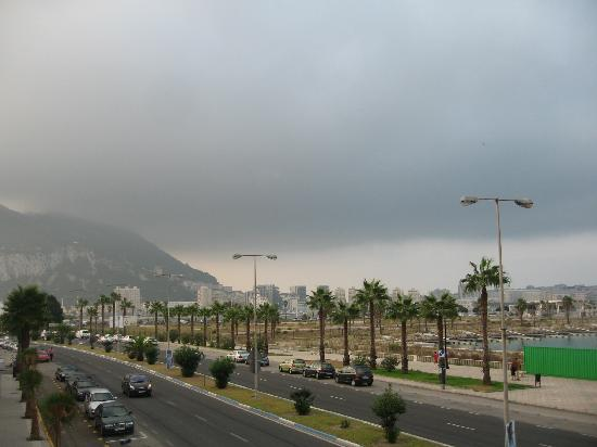 Ohtels Campo de Gibraltar: View towards Gibraltar from edge of 1st floor terrace