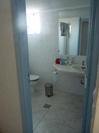 Gouves Sea and Mare Hotel & Suites: salle d'eau