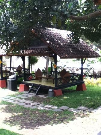 Restaurant Taman Pringsewu: lesehan