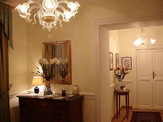 San Michele a Porta Pia Bed & Breakfast : entrance / ingresso