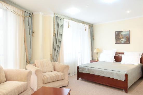 Hotel Ak-Bulak : Room lux