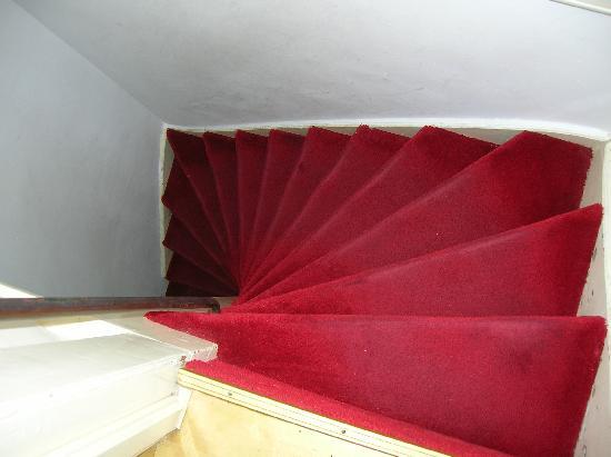 Maes B & B: las escaleras