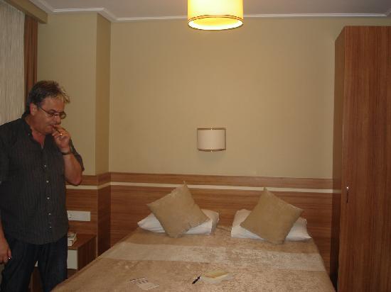 Aura Apart Hotel: La chambre