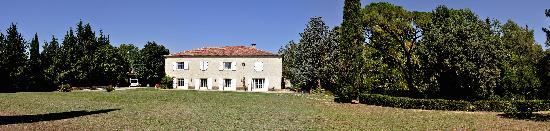 Domaine de Saint-Clement: Aout 2011 maison et jardin