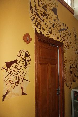 Casa Inca, Boutique Hotel: The amazing murals on the walls