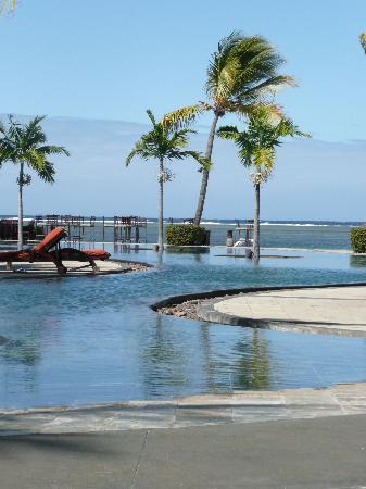 โรงแรมแอครีตาอาวารีกอล์ฟแอนด์สปารีสอร์ท: the pool