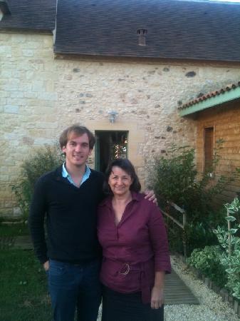 Britavit : Brigitte et moi devant sa maison d'hôtes