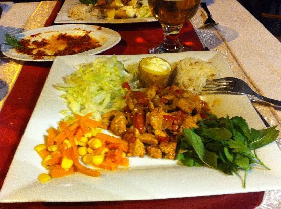Aloran Cafe & Restaurant: Yum, testi kebap!