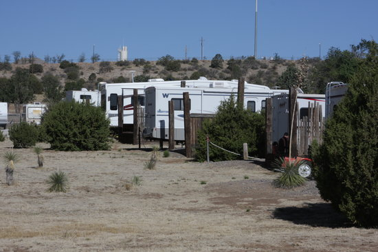 Rose Valley RV Ranch & Casitas: RVs at the feeding trough.