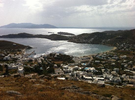 Galini Pension: Yalos beach and port