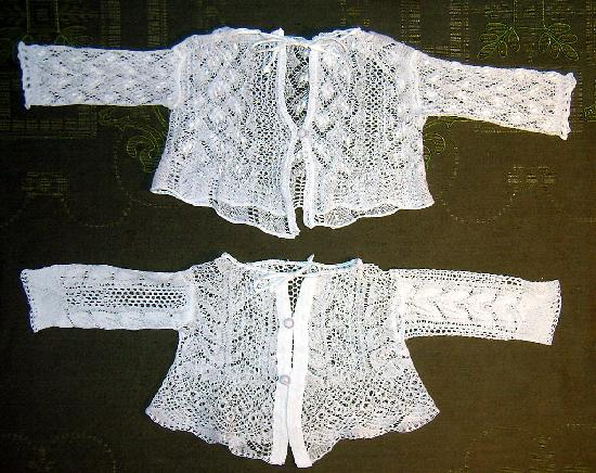 Antique Ahasver: babies hand knitted cardigan