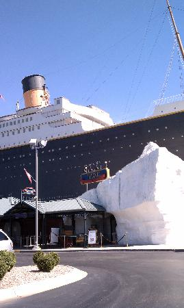Titanic Museum: Outside the Mueseum
