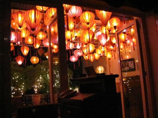 Restaurant Bobby Chinn: Red red red