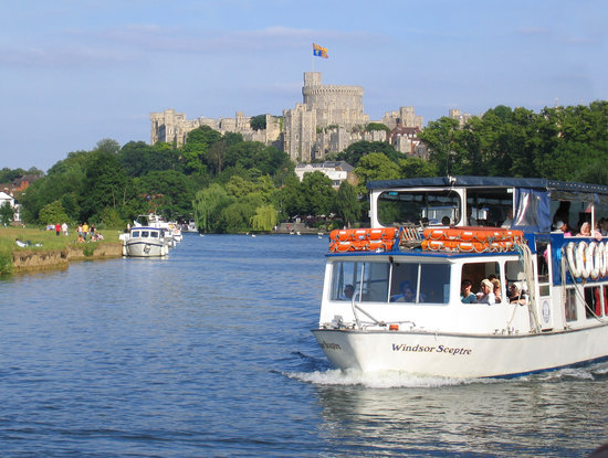 The Windsor Sceptre on the Thames at Windsor - Picture of