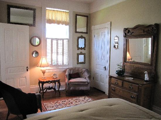 The Piper Street Inn: Relax and retreat at the inn, just blocks from town