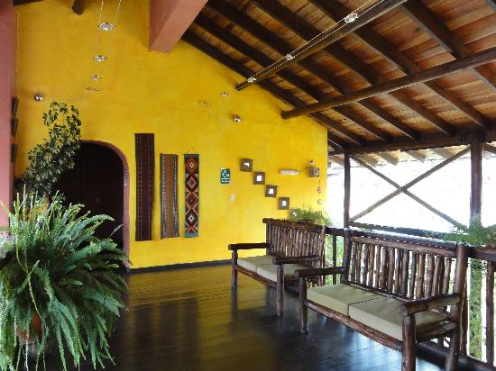 La Casa de Barro Lodge & Restaurant : happy colors