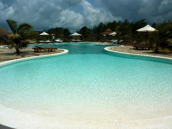 pool picture of ocean beach resort spa malindi tripadvisor. Black Bedroom Furniture Sets. Home Design Ideas
