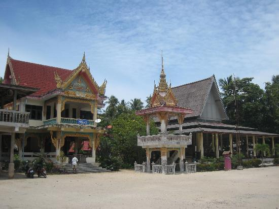 Wat Kiri Wongkaram: Some other buildings in the temple grounds