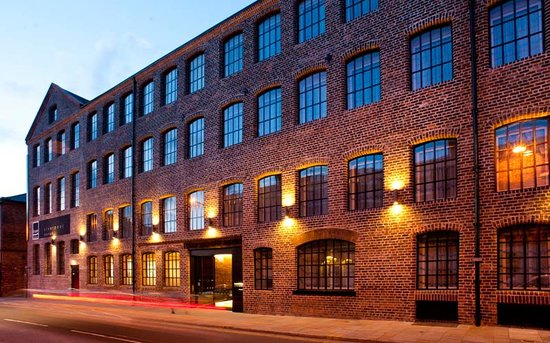 โรงแรม เบสทูสเตย์ ลิเวอร์พูล: base2stay Liverpool Hotel