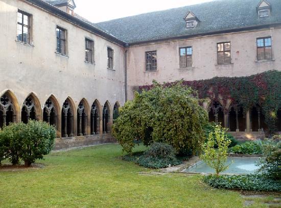 Mercure Colmar Centre Unterlinden : Chiostro del Museo Unterlinden