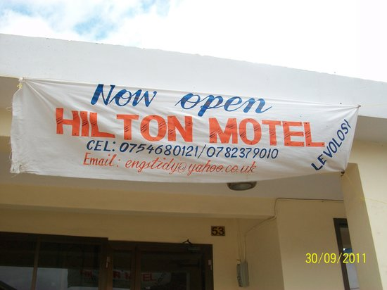 Hilton Motel : Sign on the new hotel