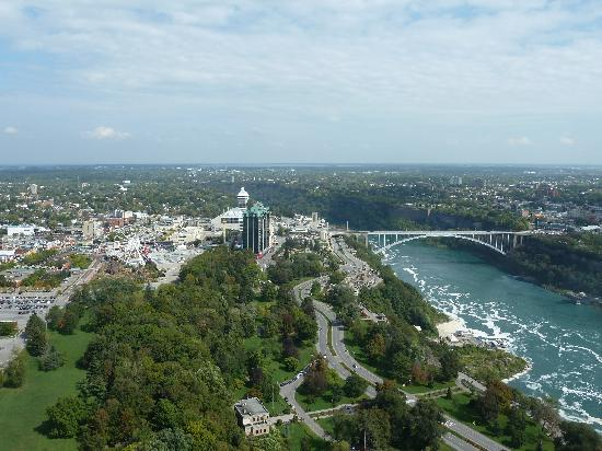 Skylon Tower: The Canada-US Bridge