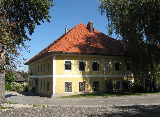 Wirt z' Neuhausen: Vierkant-Hof