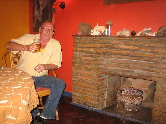 Gerritz: Gerrit the owner enjoying a beer