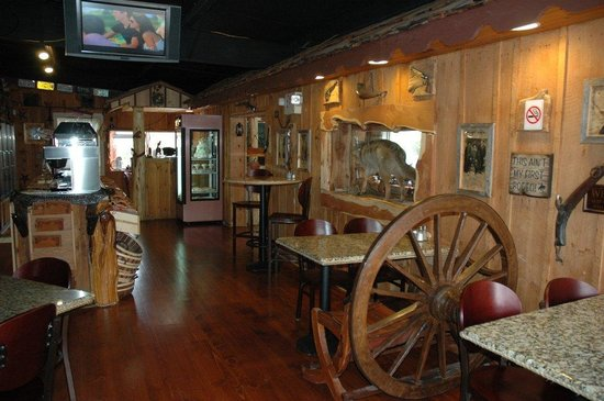 Buckaroo's Grille: Dining Room