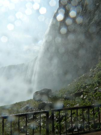 Journey Behind the Falls: A very wet lens (lower deck)