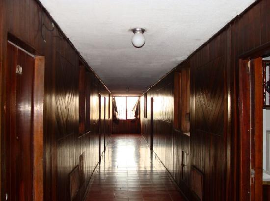 Hotel Belmar: sexto piso pasillo suites viendo al sur