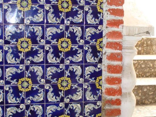 Hotel Belmar: mosaicos en escalera a segundo piso