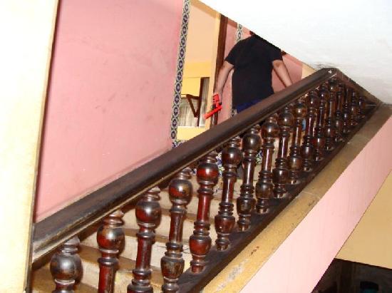 Hotel Belmar: escalera a segundo piso