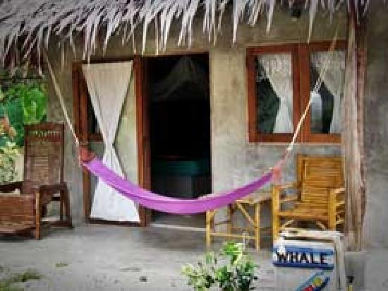 Fisherman's Cottage: Whale