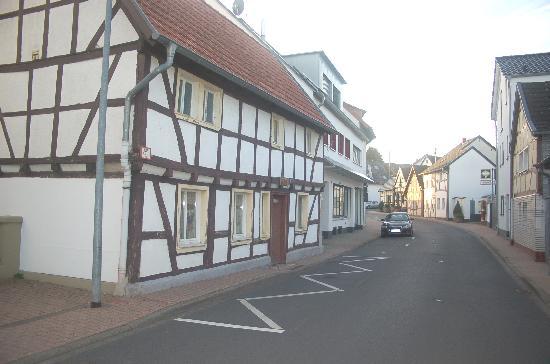 Hotel Restaurant Gorres Holzemer Str   Wachtberg