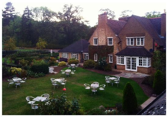 Quorn Grange Hotel: View from room to Outside