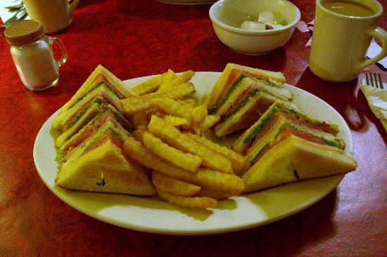 Back Porch Restaurant: Club Sandwich